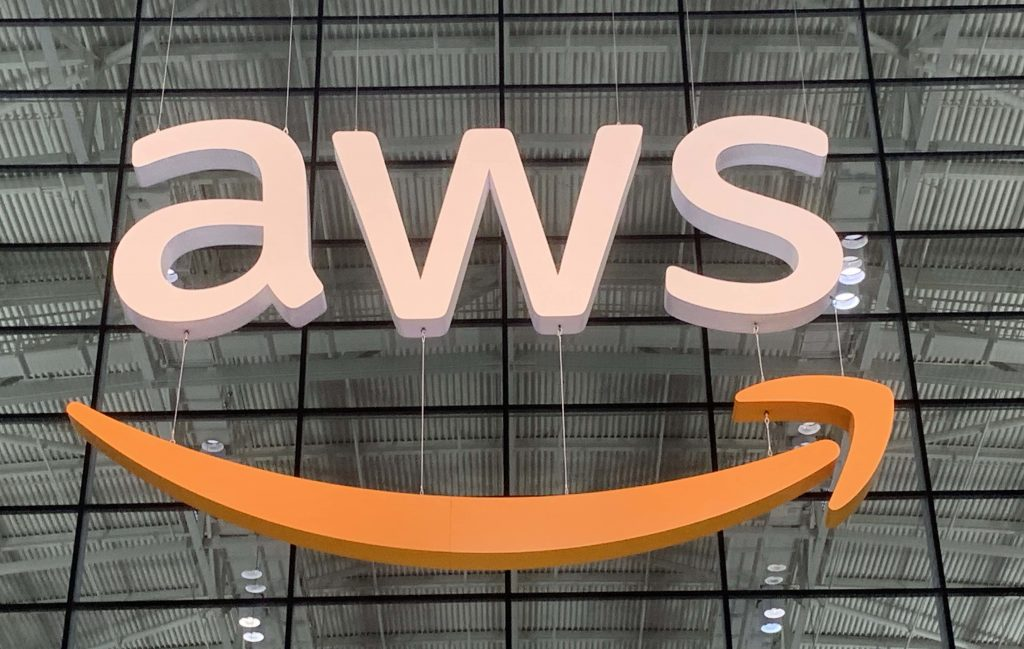 AWS extends cloud to new continental edge with Africa region