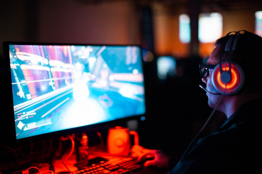 Two edge computing case studies: Happier gaming and faster site development